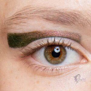 Multi-Chromatic Eye Shadows