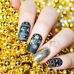 3D Nails With Gold Edges