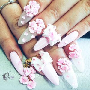 3D Nails with Volume Flowers