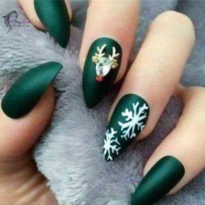 Green Christmas Nail Ideas.png
