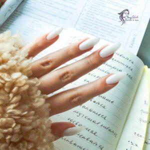 ovall milky nails