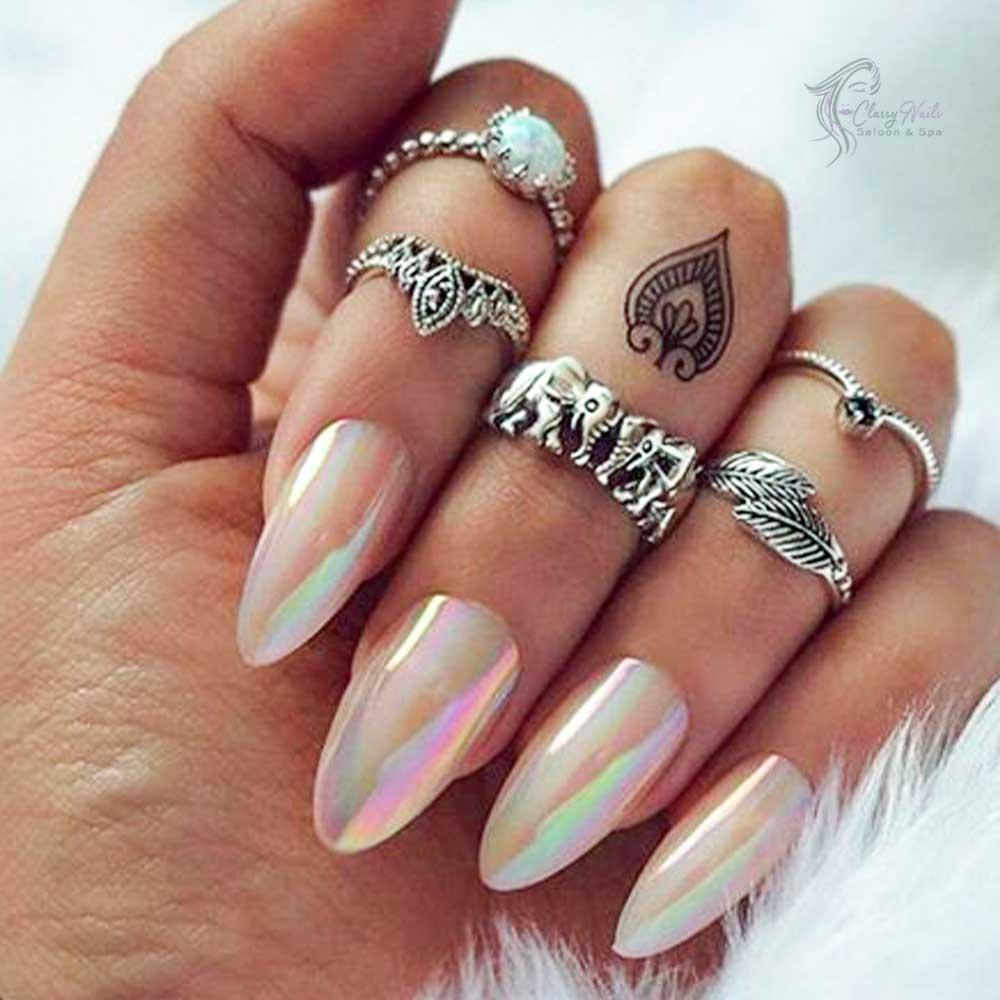 Opalescent Voguish Nail