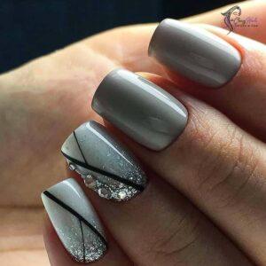 grey_nails
